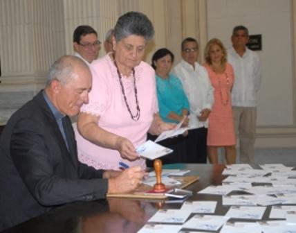 Cancelan sello conmemorativo por visita del Papa Francisco a Cuba