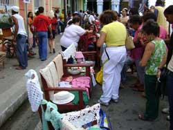 Feria artesanal, regalo para las madres camagüeyanas
