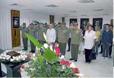Encabeza Raúl honras fúnebres a Julio Casas Regueiro