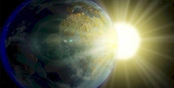 Puede verse desde la Tierra abultamiento gigante en el Sol