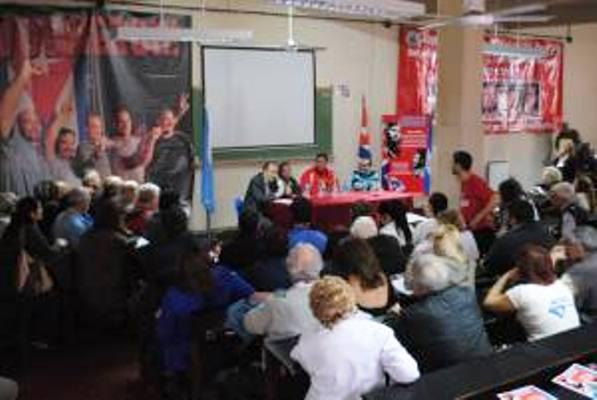 Partido Comunista argentino recibe a Ramón Labañino