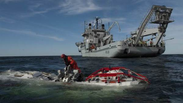 Detectan objeto en aguas donde aún buscan al  submarino argentino San Juan