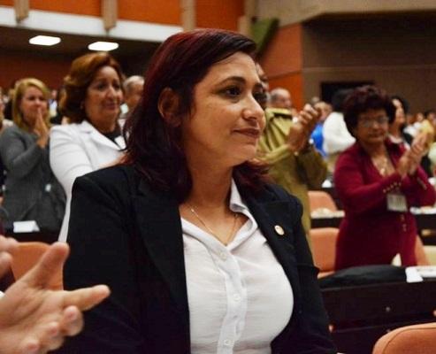 Eligen a dirigente juvenil cubana miembro del Consejo de Estado