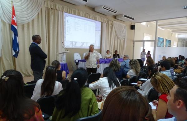 Especialistas cubanos intercambian experiencias en Taller Endocrinología 2018
