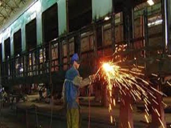 Contribuyen talleres ferroviarios en Camagüey a la sustitución de importaciones en Cuba