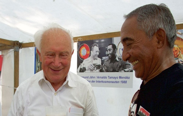 Cosmonauta cubano resalta amistad entre su país y Alemania