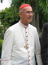 Recibe Machado Ventura a Cardenal Tarcisio Bertone