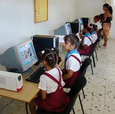 Avanza en Cuba conexión de centros educativos a red telemática Rimed
