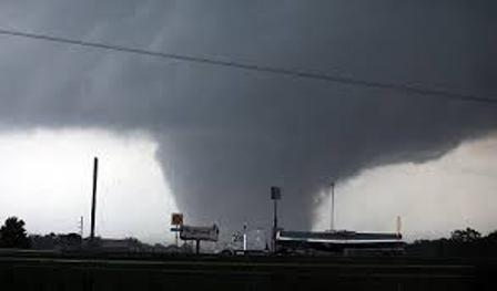 Más de 40 muertes en EE.UU. por fuertes tormentas e inundaciones