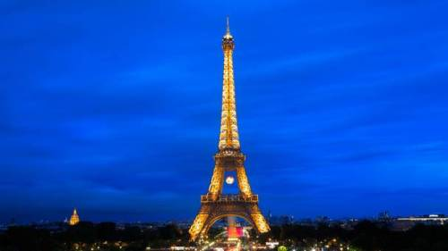 France Plans to Turn Area Surrounding Eiffel Tower into a Large Park
