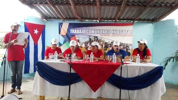 Intercambian autoridades camagüeyanas con pobladores de la comunidad La Yagruma