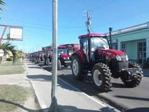 Recibe camagüeyano municipio de Florida modernos medios para producción de alimentos