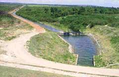 Apoyan fuerzas camagüeyanas importante obra hidráulica en el oriente de Cuba