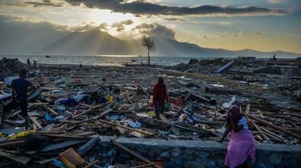 Más de 200 muertos y cientos de heridos por tsunami en Indonesia