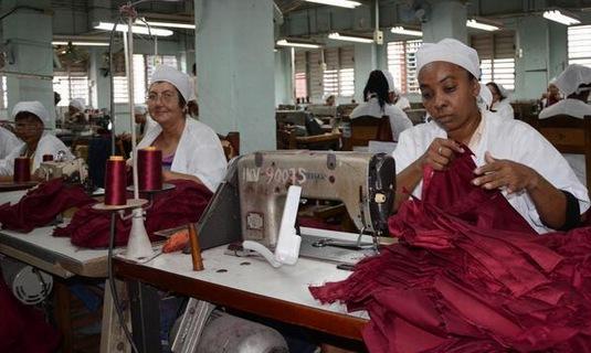 Camagüey garantiza confección de uniformes escolares para próximo período lectivo