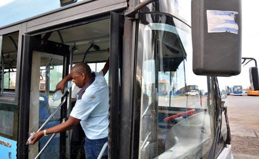 Adoptan  medidas en la transportación a partir de situación epidemiológica en la capital del país