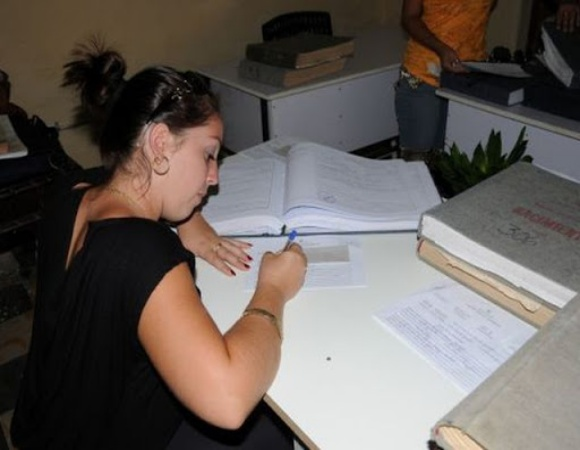 Oficinas de trámites en Camagüey mantienen mayoría de los servicios