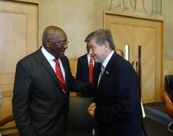 Dialogan Primer Vicepresidente cubano  y Director General de la OIT