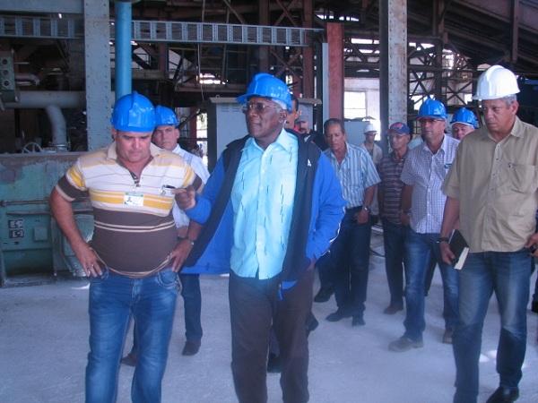 Primer Vicepresidente cubano reitera importancia económica del sector azucarero para el país