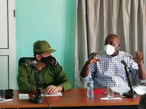 Chequea Valdés Mesa en Camagüey inversiones en la agricultura y recuperación cañera (+ Fotos)