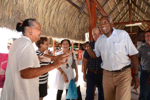 Comprueba Valdés Mesa opciones veraniegas en círculos sociales de la capital cubana (+ Fotos)
