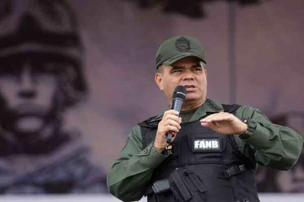 Reitera general Padrino que la Fuerza Armada defenderá a Venezuela
