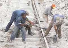 Impulsan en Cuba reparación de vías férreas