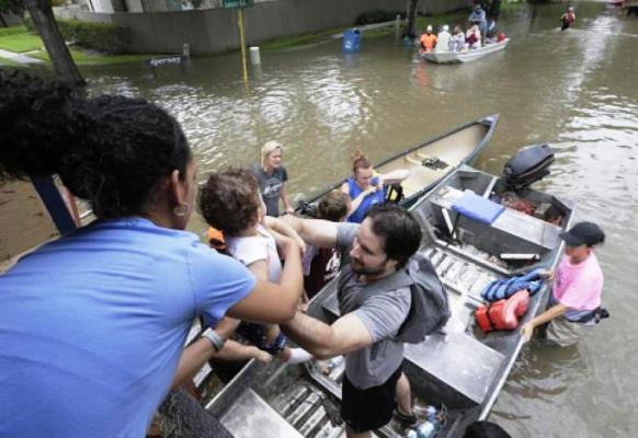 El Salvador se solidariza con víctimas del huracán Harvey en Texas