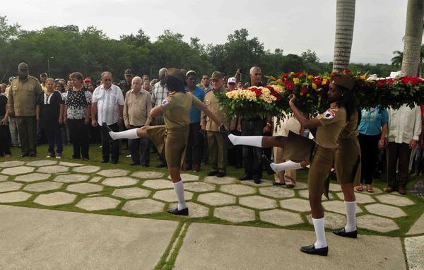 Heroína cubana Vilma Espín recibe homenaje a una década de su muerte