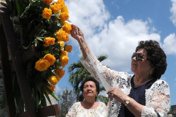Reconoce viuda de Neto aporte de Cuba a independencia de Angola