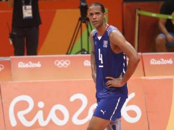 Voleibolista cubano contagiado en Estonia por nuevo coronavirus recibe alta médica
