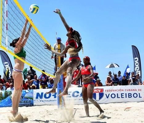Voleibolistas cubanos defienden invicto en playas de México