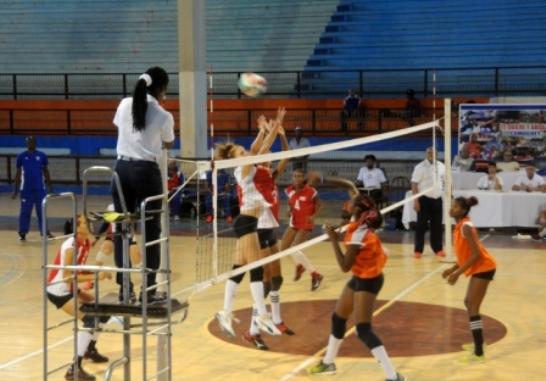 Villa Clara lidera torneo nacional de Voleibol (f)