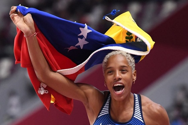 Yulimar Rojas encabeza encuesta para mejores deportistas latinoamericanos del 2019
