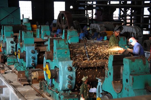Camagüeyanos alistan la industria y otros medios para próxima zafra azucarera