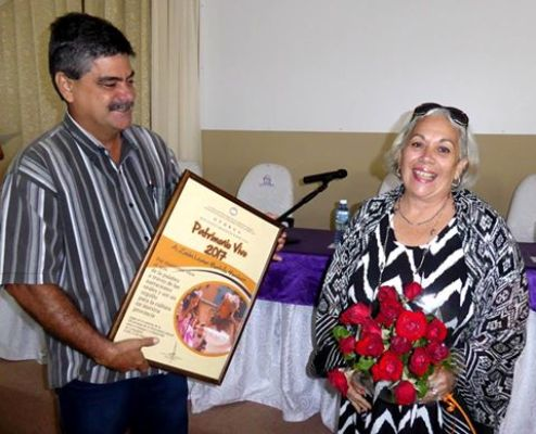 Reconocen aportes de camagüeyana Zaida Montells a la narración oral